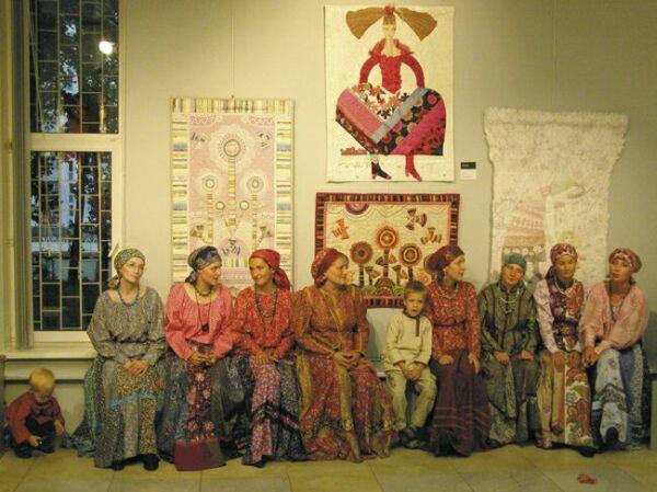 Лоскутные картины в московской галерее Беляево. Открытие. Фото Николая Ефремова