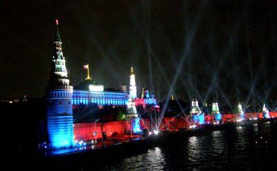 Московский Кремль вечером 9 мая 2010 года. Фото - Николай Ефремов