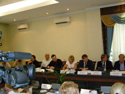 Общественная палата РФ обсуждает судьбу православных святынь (1). Фото Николая Ефремова