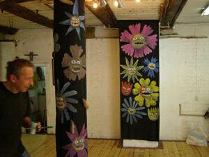 Выставка Жуки и цветы (2) - Георгий Литичевский и его антропоморфные цветы. Фото Николая Ефремова