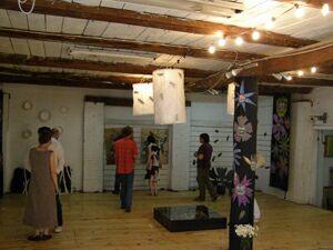 Галерея Гараж - экспозиция выставки Жуки и цветы (6). Фото Николая Ефремова